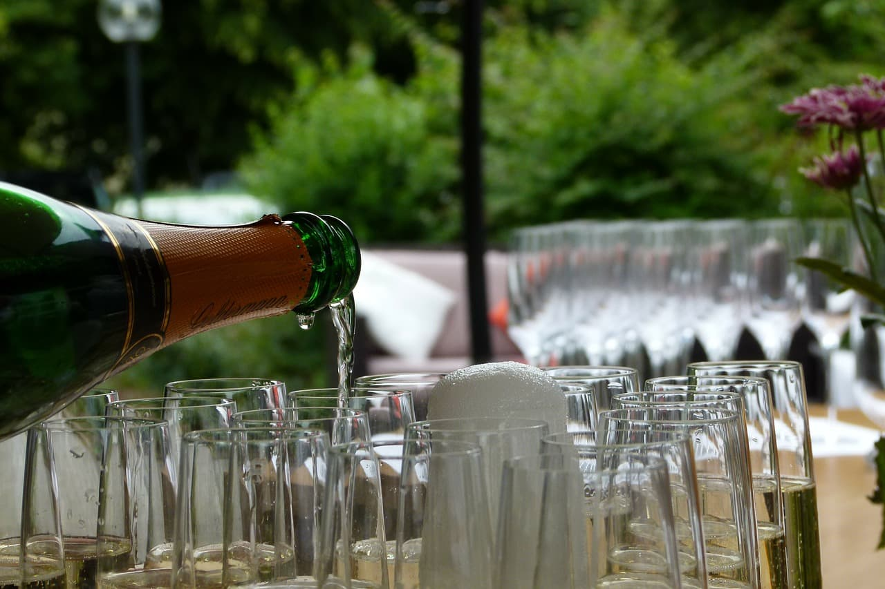 Is Serving Alcohol Right for Your Restaurant