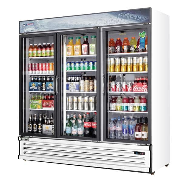 Everest Refrigeration Refrigeration EMSGR69 72.88'' White 3 Section Swing Refrigerated Glass Door Merchandiser